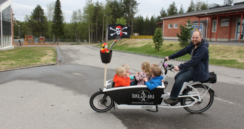 Finn's pirate cargo bike